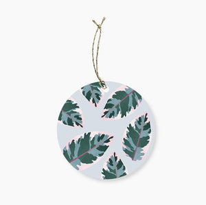 A lovely leafy gift tag suitable for any occasion!  80mm in diameter, with space to write To/From on the back and room to write a special message to the lucky recipient.