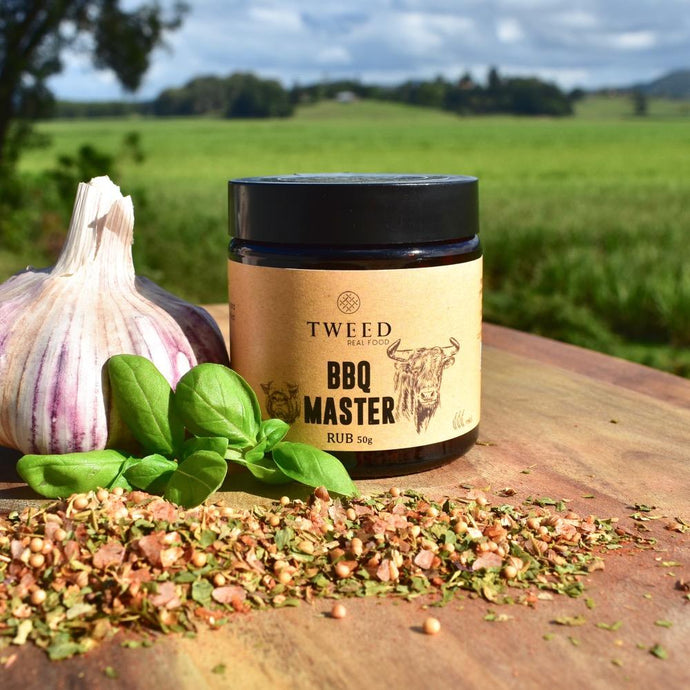 BBQ MASTER RUB - The perfect blend to rub on all meats, use as a marinade base or add to oil and sauces. With hints of mustard and paprika it gives the perfect BBQ flavour.