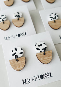 WHITE CIRCLE BLACK SPRINKLE EARRINGS