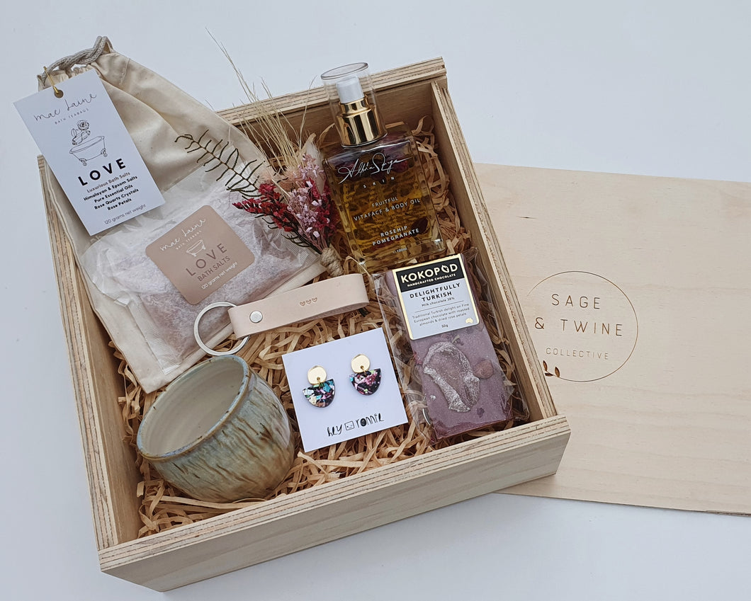 Mae Laine - Love bath tea bag Miss E Pottery - handmade with love ceramic tumbler Hey Ronnie - Party gold statement earrings Handstamped heart natural leather keyring Fruitful: Vita face and body oil (not to be used during pregnancy) Delightfully Turkish - Handmade chocolate  Handmade keepsake wooden box
