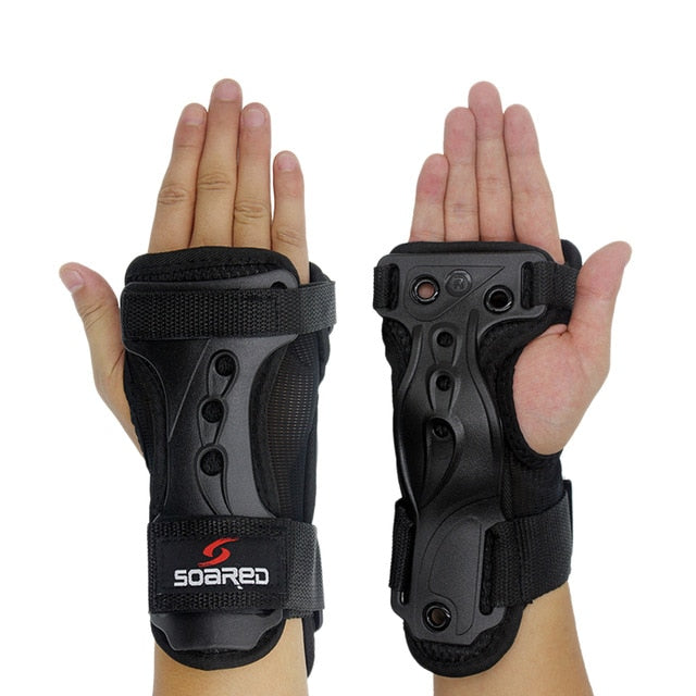 SOARED 1 Pair Adjustable Snowboarding Gloves Wrist Support Skating Palm