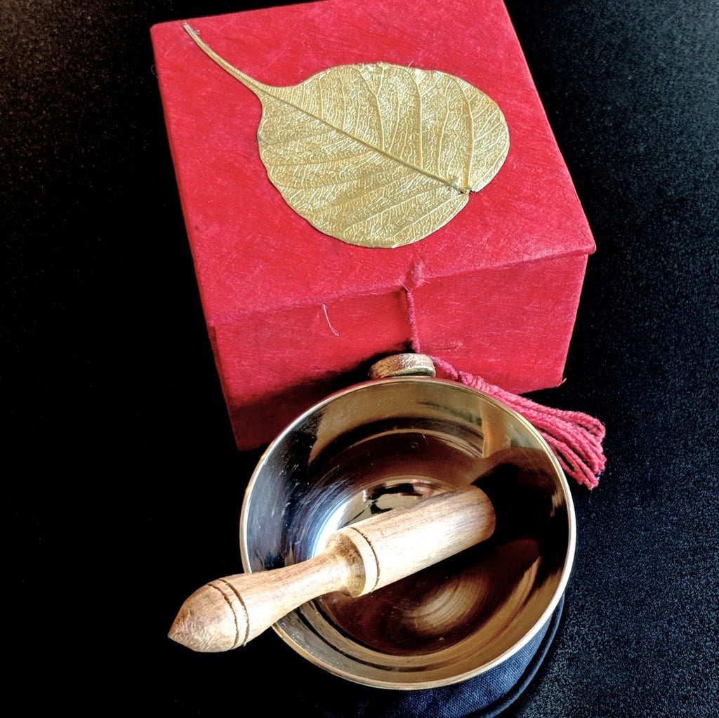 "3"" Meditation Bowl in Gold Bodhi Leaf Carrying Case"