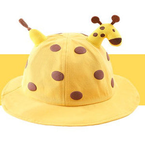 Kids giraffe hat with shield