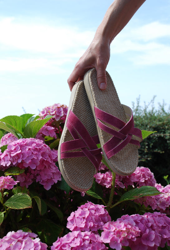 Lovelies beautiful summer sandals. Super soft rubber sole covered in Natural Jute. Easy to slip in and with soft cotton straps for a wonderful look.