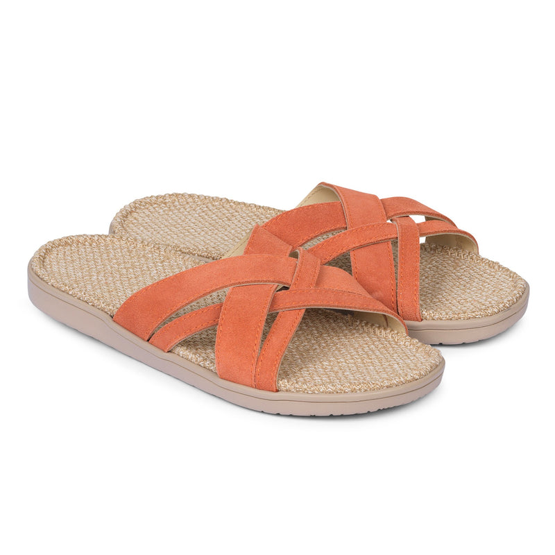 Sandals with straps of soft suede. The comfortable inner sole in covered with natural jute material.