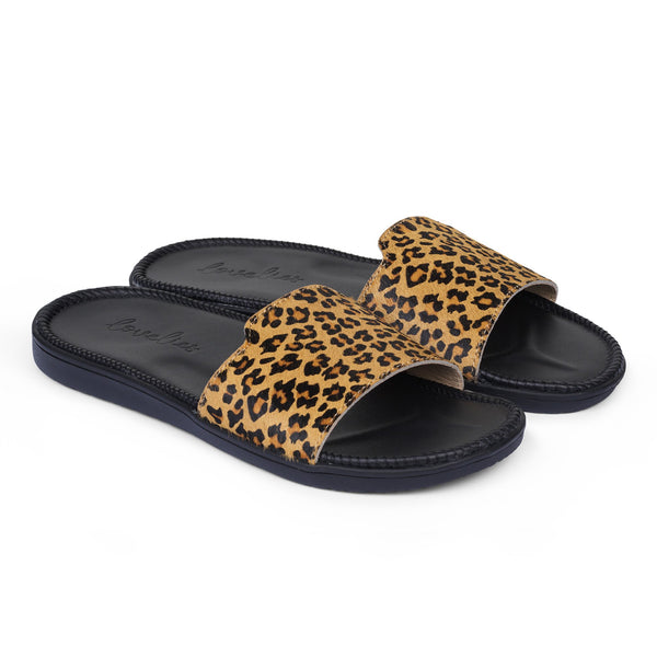 Sandals with a wide strap of leather. The comfortable inner sole in covered with soft black leather.