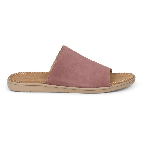 Sandals with a wide strap of soft suede. The comfortable inner sole in covered with soft suede.
