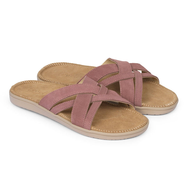 Sandals with 4 crossing straps of soft suede. The comfortable inner sole in covered with soft suede.