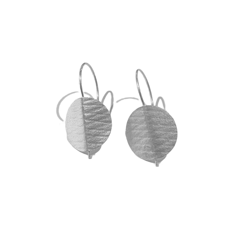 Folded circle earrings