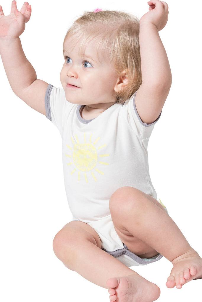 Bamboo onesie - short sleeve - Sunshine on a cloudy day - SNUGALICIOUS BAMBOO