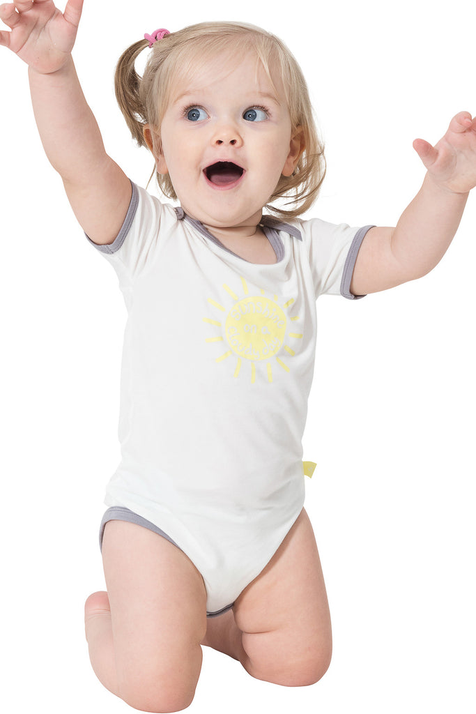 Short sleeve onesie - Sunshine on a cloudy day - SNUGALICIOUS BAMBOO