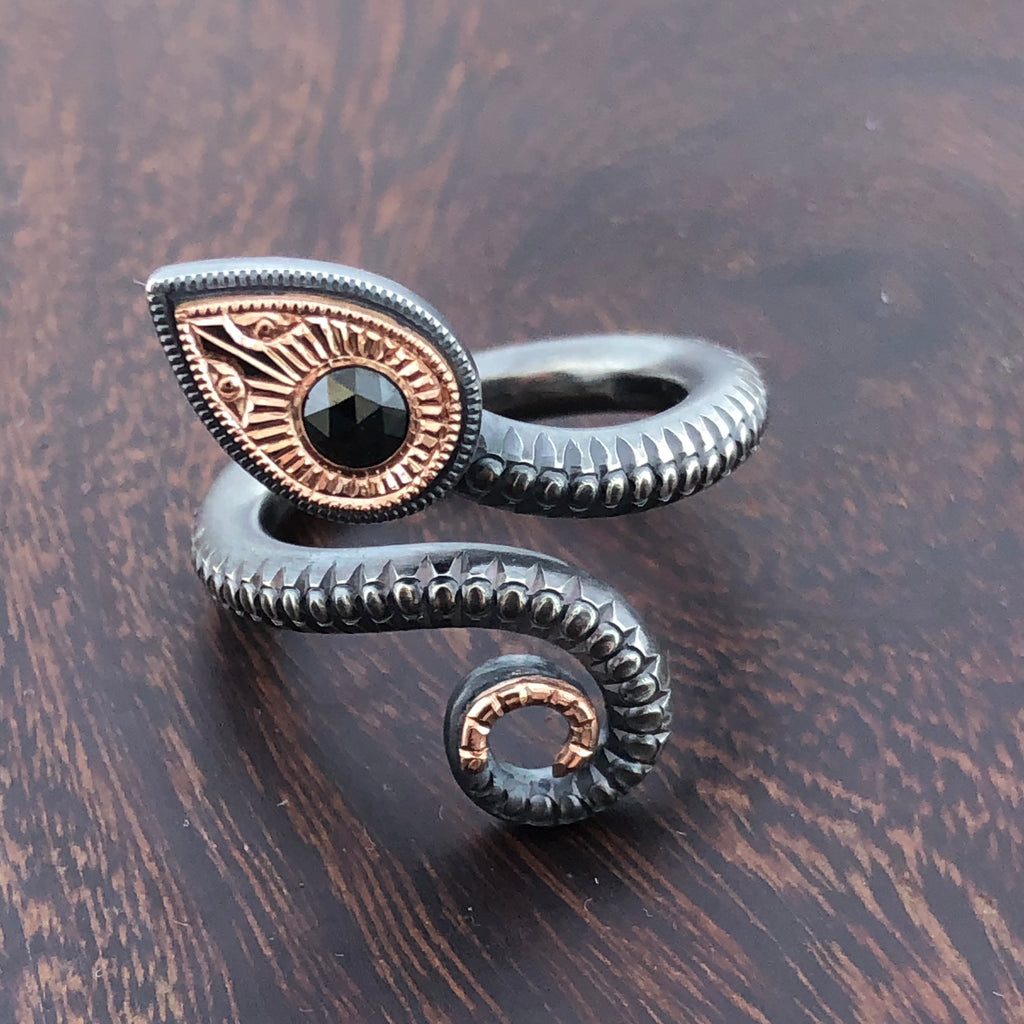 Snake Ring in oxidized silver and rose gold