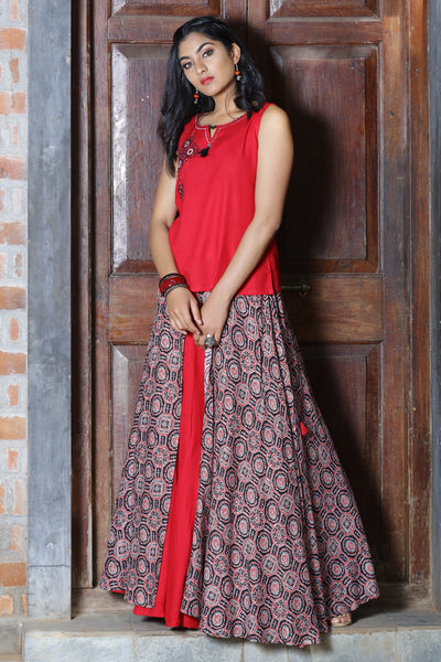 Red Skirt-Top Set Embroidery