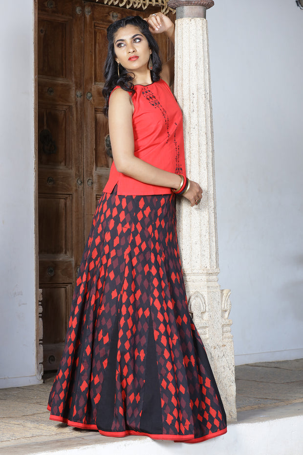 All Over Printed Skirt & Solid Top Set - Red & Black