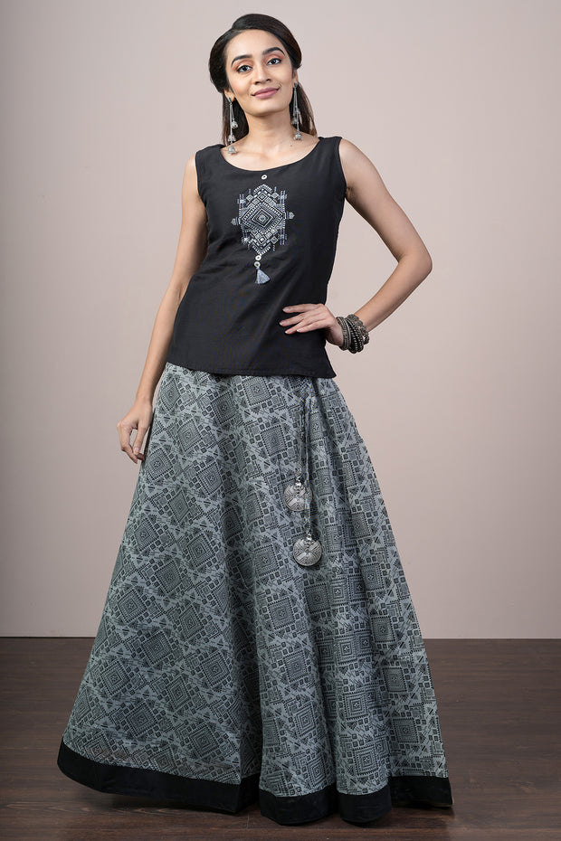 Contemporary Geometric Embroidered Top & Printed Skirt Set - Black & Grey - Maybell Womens Fashion