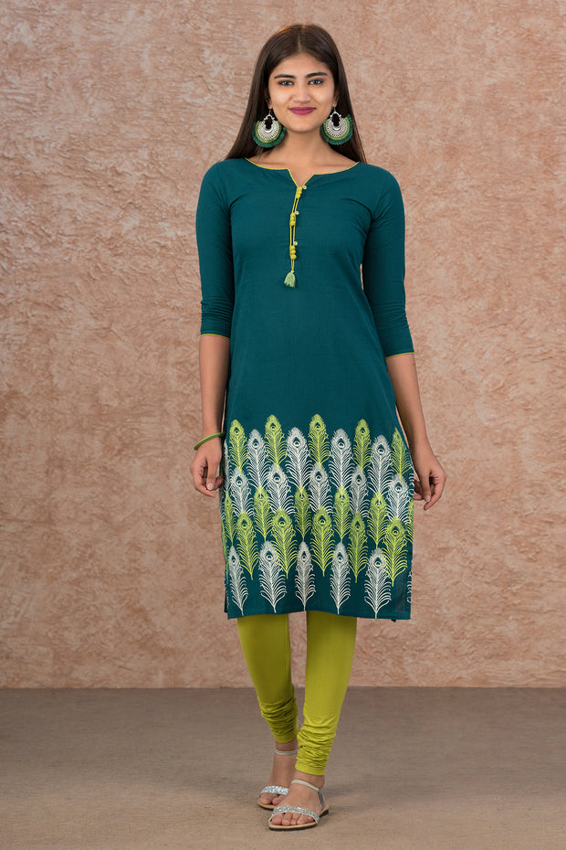 Placement Peacock Feathers Printed Kurta - Green