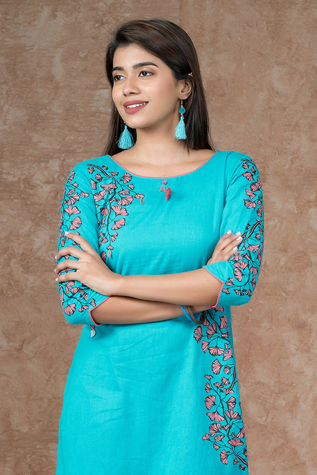Placement Ginkgo Leaf Printed Kurta - Blue