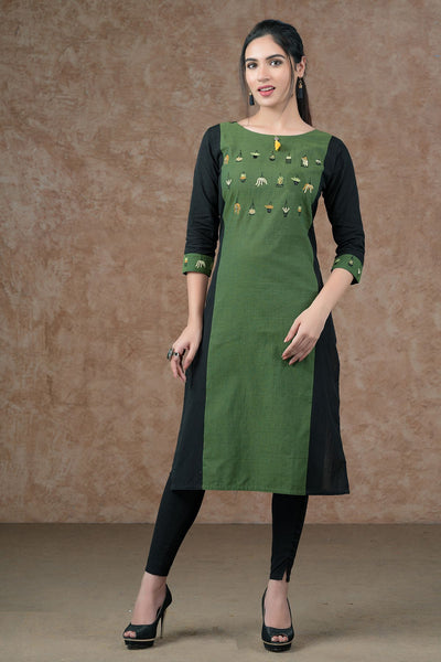 Tiny floral pot embroidery kurta with tassels - Green