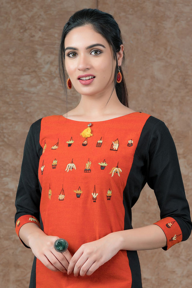 Tiny floral pot embroidery kurta with tassels - Red