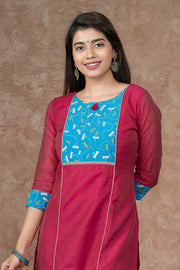 Dragon Flies Yoke Printed Kurta - Pink