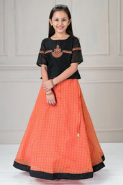 Classic embroidered top and printed kids skirt set - Black and Peach