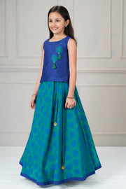 Classic embroidered top with printed kids skirt set - Blue and Green
