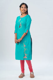 Maybell-Floral embroidered kurta -Green-2