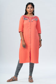 Maybell Floral embroidered kurta - Peach2