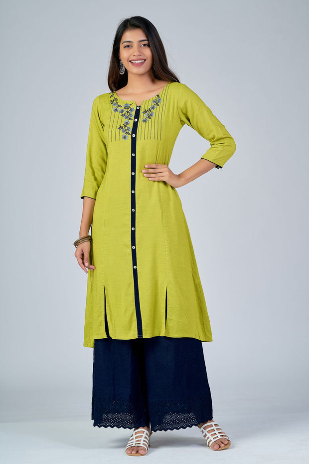 Maybell-Floral embroidered kurta - Green2