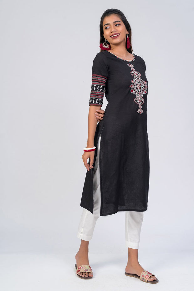 Maybell-Floral embroidered kurta - Black1