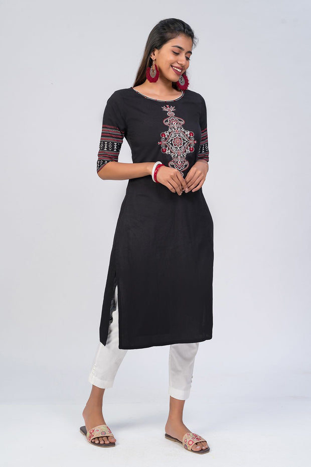 Maybell-Floral embroidered kurta - Black2