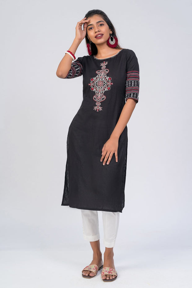 Maybell-Floral embroidered kurta - Black3