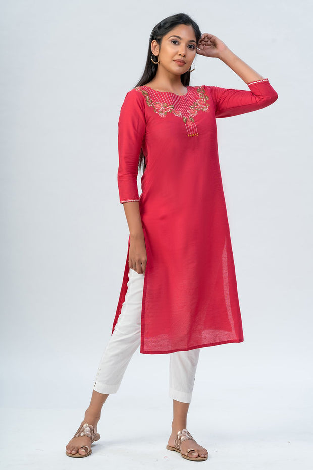 Maybell-Floral embroidered kurta-Red-2