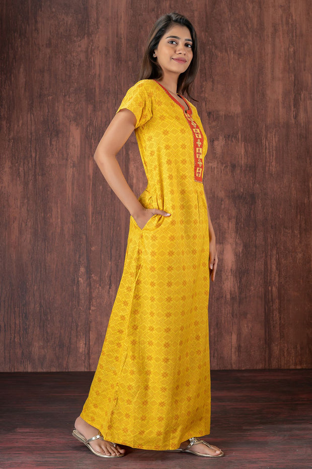 All over printed nightwear-Yellow