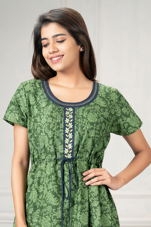 All over printed waist tie up nighty-green