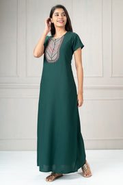 Floral embroidered plain nightwear-Green