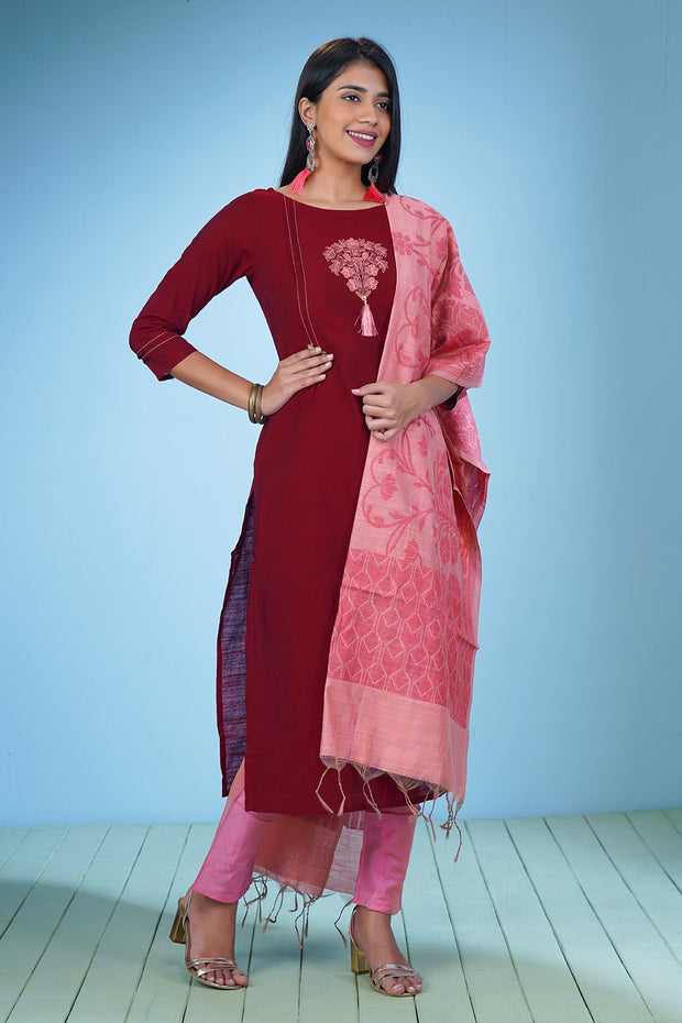 Placement Embroidered Kurta & Brocade Kurta Set - Maroon & Pink