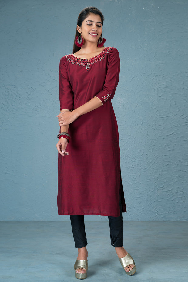 Beautiful calico embroidered kurtha and dupatta set- Maroon and Black