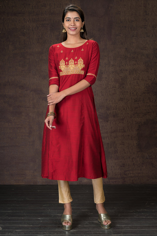 Delicate embroidered kurtha and dupatta set - Red and Biege