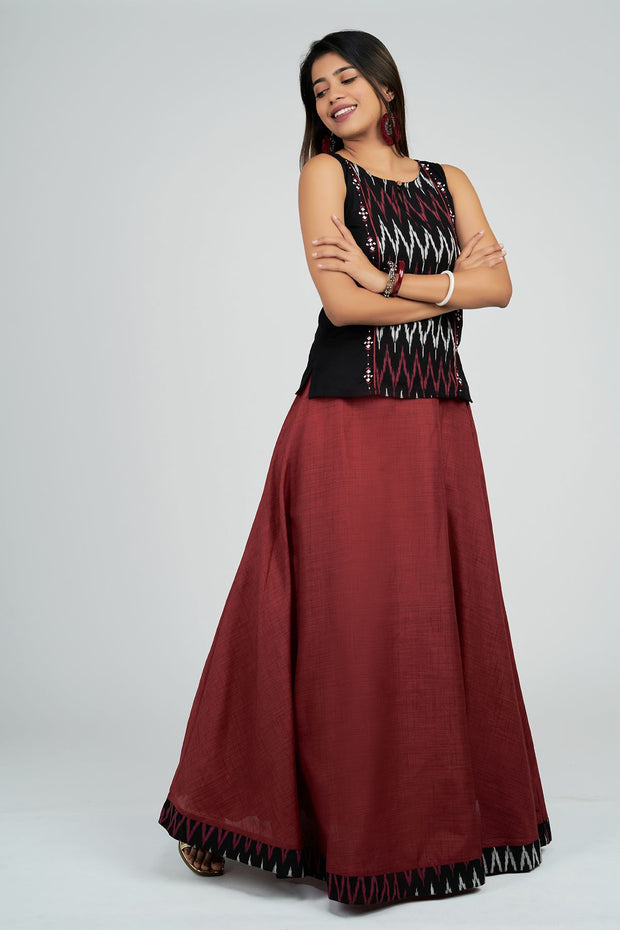 Maybell-Plain skirt with ikat top - Black & Maroon4
