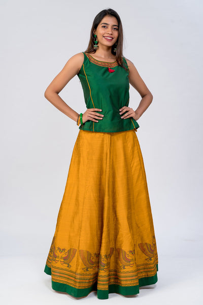 Maybell-Traditional swan printed skirt set - Green & Yellow2