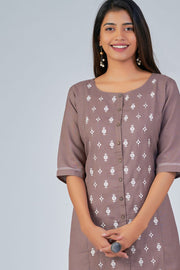 Maybell-Floral embroidered kurta - Brown3