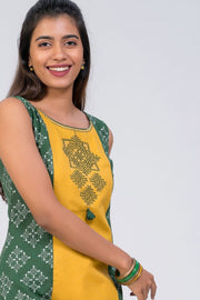 Maybell-Kolam embroidered and printed kurta - Green5