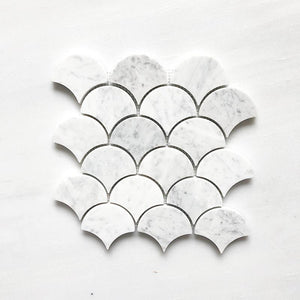 CARRARA BIANCO FAN SHAPE - FISH SCALE