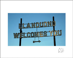Picture of the Llandudno welcomes you sign