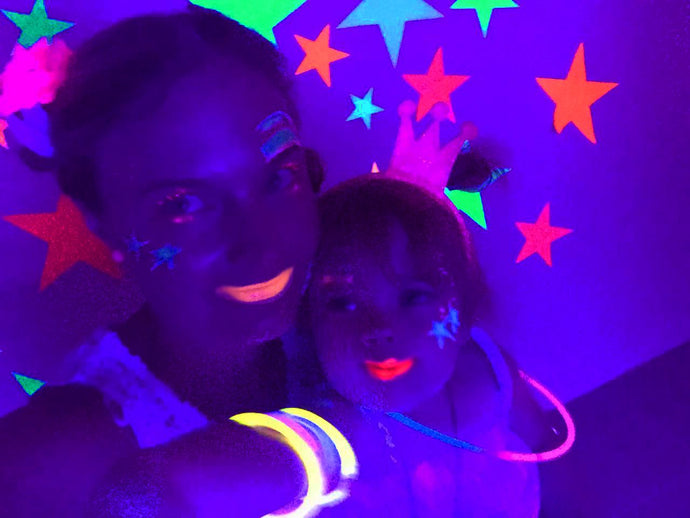 How to do a Kids Glow in the Dark Party