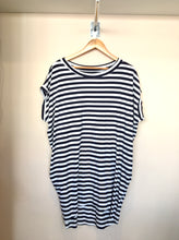 Load image into Gallery viewer, Simone Striped Tunic