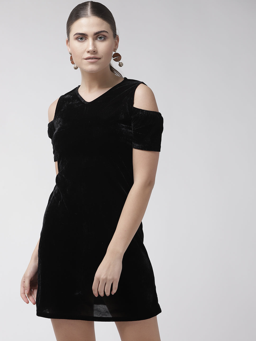 Women Black Solid Velvet Finish Sheath Dress