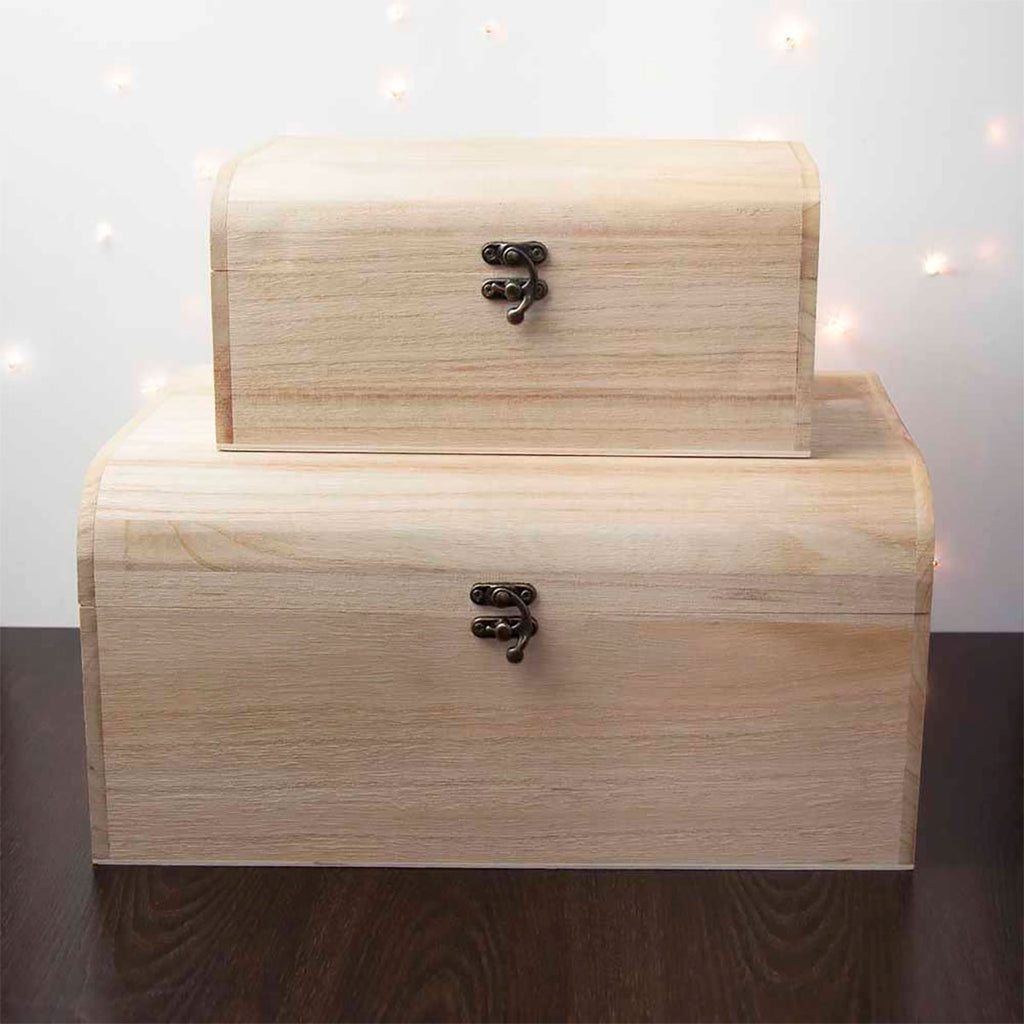 First Christmas Eve Chest Personalised with Baby's Name in Different Sizes - Oh My Gift