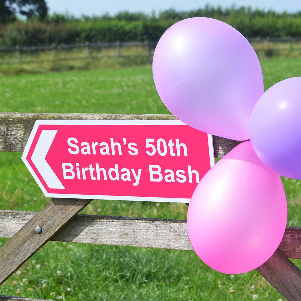 Birthday sign personalised with name and event - Oh My Gift
